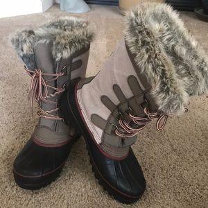 Khombu lace up winter boot